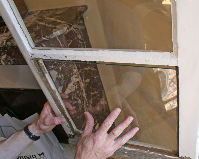 Remplacer une vitre cass e changer un carreau simple - Changer un carreau de fenetre ...